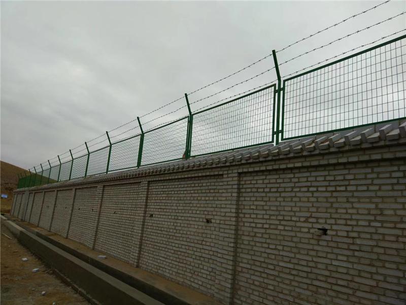 西气东输天然气管道围墙护栏网